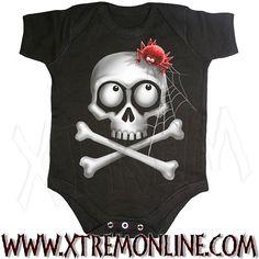Body de bebé Squatter Skull XT3634. Echa un vistazo a nuestra colección de ropa gótica y heavy metal para bebés. Artículos en stock.