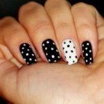 http://www.unhasdecoradasbrasil.com/unhas-decoradas-em-preto-e-branco/