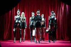 ディーゼル、新アクセはエロティカ。ボンデージな一夜で披露 | PHOTO(1/25) | FASHION HEADLINE Darth Vader, Concert, Fictional Characters, Fashion, Moda, Fashion Styles, Concerts, Fantasy Characters, Fashion Illustrations