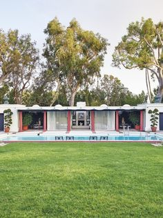 The Contents of Betsy Bloomingdale's $39 Million L.A. Mansion Are Head Photos | Architectural Digest