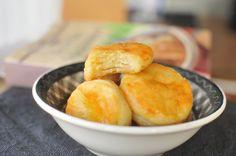 Miért szeretjük még mindig Horváth Ilonát? Minion, Cornbread, Cakes, Ethnic Recipes, Desserts, Food, Millet Bread, Tailgate Desserts, Deserts
