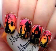 Are you looking for easy Halloween nail art designs for October for Halloween party? See our collection full of easy Halloween nail art designs ideas and get inspired! Holloween Nails, Nail Art Halloween, Holiday Nail Art, Halloween Nail Designs, Easy Halloween, Halloween Scene, Halloween Party, Haunted Halloween, Halloween Night
