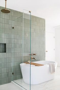 Beautiful bathroom decor a few ideas. Modern Farmhouse, Rustic Modern, Classic, light and airy master bathroom design ideas. Bathroom makeover some ideas and master bathroom remodel ideas. Interior Minimalista, Bad Inspiration, Bathroom Inspiration, Bathroom Ideas, Bathroom Organization, Bathroom Storage, Bathroom Goals, Shower Ideas, Bathroom Stuff