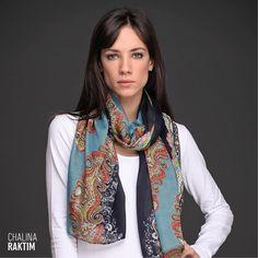 La Chalina Raktim es #tendencia. Su estampado de diseño búlgaro y su formato rectangular acompañan a la perfección tus looks de #invierno. Accessories, Fashion, Cravat, Female Clothing, Spring Summer, Trends, Style, Moda, Fashion Styles