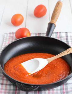 Caracterísiticas de las sartenes de hierro fundido Le Creuset, a revisión en nuestro blog http://www.lecuine.com/blog/cocinar-sartenes-de-hierro-fundido-le-creuset/