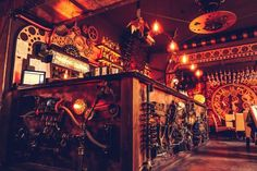 The First Kinetic Steampunk Bar In The World Opens In Romania The first kinetic steampunk pub opens in Romania. Enigma Café from Cluj-Napoca is literally making history with its kinetic sculptures,. Steampunk Interior, Steampunk Cafe, Chat Steampunk, Steampunk Costume, Steampunk Furniture, Steampunk Gadgets, Steampunk House, Steampunk Fashion, Enigma