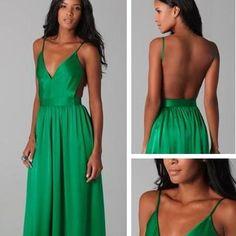Nail color emerald green dress