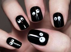 #Halloween Nail Art - Googly Eyes Nail Art