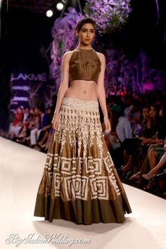 Manish Malhotra Collection at Lakme Fashion Week Summer/Resort 2014 Manish Malhotra Designs, Manish Malhotra Collection, Lakme Fashion Week, India Fashion, Ethnic Fashion, Fashion Weeks, Indian Fashion Designers, Indian Designer Wear, Couture Mode