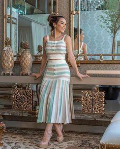"""a1e5739b2e Deb Modas Oficial on Instagram  """"Mais um conjunto lindo de Tricô com fios  de nylon dourado 😍👗❤👠👡🛍 Tamanho único veste do 38 ao 42."""