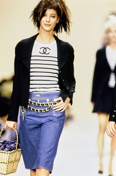 Chanel Spring 1994 Ready-to-Wear Fashion Show - Christy Turlington Burns
