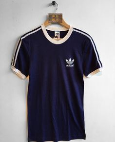 Adidas T-shirt Size Medium £22 Website➡️ www.retroreflex.uk #adidas #trefoil #vintage #oldschool