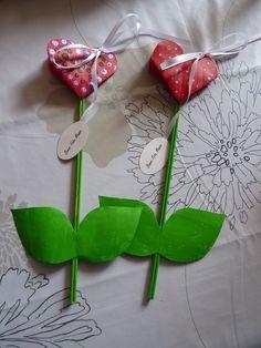 Fleur fête des mamies 2010 ouverte de l'album BRICOLAGES DES ENFANTS