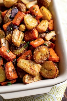 Healthy Delicious Rosemary Roasted Potatoes, Parsnips, Carrots and Onion the perfect addition to any main meal. Parsnip Recipes, Carrot Recipes, Onion Recipes, Veggie Recipes, Vegetarian Recipes, Cooking Recipes, Healthy Recipes, Carrot And Parsnip Recipe, Carrot Ideas
