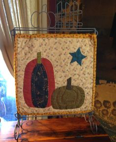 Jan Patek Quilts: Under New Management, new office hours, an additional email address, a new tutorial and Punkin Heads