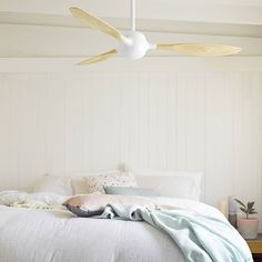 Love money saving style? Check out one of most energy efficient fans on the market. #natural #timber #ceilingfan #interiordesign @simonehaag