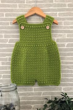 This crochet pattern is suitable for beginners and is part of a collection of modern crochet patterns for babies and children.. available for instant download today #crochet #crochetbaby #crochetpattern #moderncrochet #babycrochet #crochetforbaby Baby Girl Crochet, Crochet Baby Clothes, Crochet For Boys, Cute Baby Clothes, Easy Crochet, Modern Crochet Patterns, Crochet Patterns For Beginners, Baby Patterns, Baby Boy Or Girl