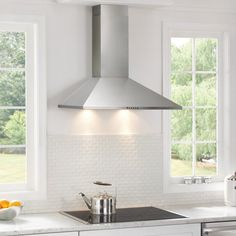 Frigidaire Convertible Wall-Mounted Range Hood (Stainless Steel) (Common: 30-in; Actual 29.875-in) | Lowe's Canada