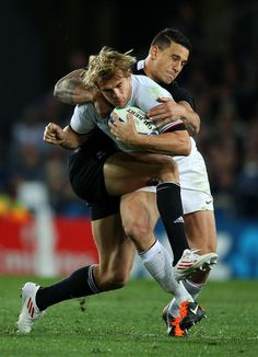 Back to Back: New Zealand center Sonny Bill Williams goes at French center Aurélien Rougerie during the 2011 RWC final.