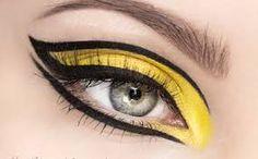 Znalezione obrazy dla zapytania makijaż graficzny
