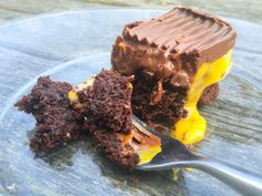 Truffle Cream Egg Brownies. Found one slice leftover. A few seconds in the microwave, et voilà | www.pastryportal.com