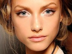 Subtle cat eye!Perfect for summer!