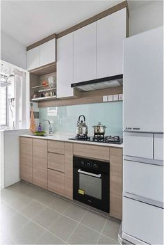 Modern-minimalist HDB Design by EA Interior Design Design Ideas Kitchen Cupboard Designs, Kitchen Designs Photos, Best Kitchen Designs, Kitchen Layout, Minimal Kitchen Design, Luxury Kitchen Design, Interior Design Kitchen, Layout Design, Design Design