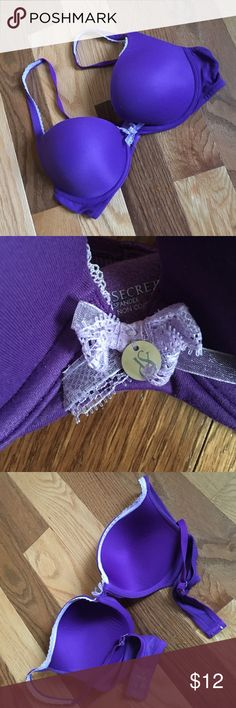 VS Purple Push up Bra 36C Underwire push up with lilac lace trim on straps. Light pulling from wear on outer corners of cups, but not worn out or faded anywhere except label. Victoria's Secret Intimates & Sleepwear Bras