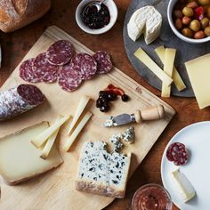 Shop our selection of French Favorites and have the finest gourmet foods delivered right to your door! One-day shipping available. Gourmet Food Gifts, Gourmet Recipes, Gourmet Foods, Thanksgiving Dinner Plates, Cheese Gifts, Wine Deals, Cheese Lover, Wine Delivery, Wine Fridge