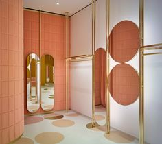 India Mahdavi pairs pink and yellow for Red Valentino store in London Design Shop, Store Design, Rack Design, Retail Interior, Best Interior, Interior And Exterior, Copper Interior, Valentino Store, Red Valentino