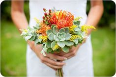 【ウェディングブーケや装花】海外で人気!多肉植物を使ったウエディングアイディア集 | 結婚式準備はBLESS(ブレス)