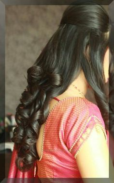 Hairs Saree Hairstyles, Open Hairstyles, Indian Bridal Hairstyles, Bride Hairstyles, Hairstyles Haircuts, Hair Dos, Blouse Styles, Blouse Designs, Hair Styel