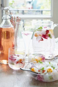 Top 5 ways to stay hydrated from Liz Earle Wellbeing 2 Fruity Cocktails, Craft Cocktails, Stay Hydrated, Yummy Drinks, Cocktail Recipes, Healthy Living, Tasty, Ethnic Recipes, Energy Balls