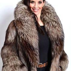 Genuine Mountain Goat Fur lining. Luxury, Beautiful, Super Light Full Length Shearling Coat with Genuine Silver Fox Fur Collar. Dry clean by fur specialist. Fox Fur Coat, Shearling Coat, Fur Coat Outfit, Fabulous Fox, Stunning Brunette, Fur Fashion, Fur Collars, Fur Jacket, Mantel