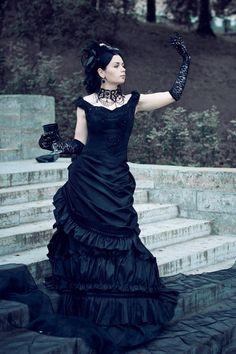 Costume designer: Katherine Baumgertner Photographer: Nikolay Sharov Model: Katherine Baumgertner