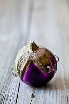 Roundly purple, another lovely shot from Helene Dujardin. #aubergine, #food, #photography