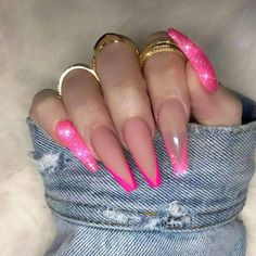 Nail art is a very popular trend these days and every woman you meet seems to have beautiful nails. It used to be that women would just go get a manicure or pedicure to get their nails trimmed and shaped with just a few coats of plain nail polish. Best Acrylic Nails, Acrylic Nail Designs, Nail Art Designs, Stiletto Nail Designs, Long Nail Designs, Matte Nail Polish, Nail Nail, Nail Ring, Nail Tech
