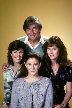 """""""The Waltons"""" Ralph Waite (Dad John, Jr.), Kami Cotler (Elizabeth), Judy Norton-Taylor (Mary Ellen), Mary Beth McDonough (Erin), 1978 (Waltons, 1971-1979)"""