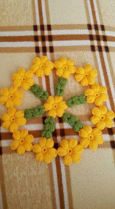 Puff Stitch Crochet, Crochet Trim, Free Crochet, Baby Favors, Beautiful Crochet, Crochet Doilies, Flower Making, Floor Rugs, Flower Power