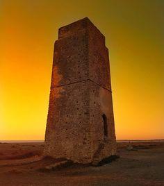 #atardecer sobre la #torre #vigia de #castilnovo en #conildelafrontera #conil #sunset #tower #orange #autumn #castle