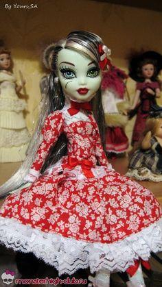Красное платье с белыми кружевами для кукол Monster High   Monster High Club
