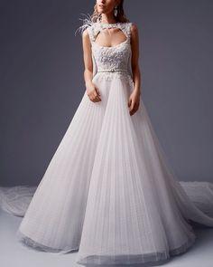 Alfazairy | Noura #alfazairy #fashion #moda #dress #vestido #gown