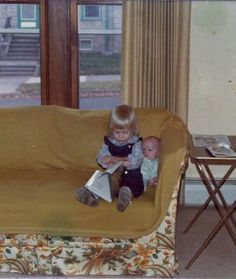 15 Awkward Sibling Photos--Sitting Pretty--There's no way you're taking my side of the couch, too! NO. WAY.