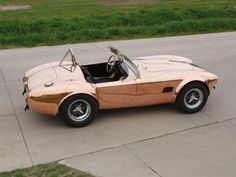 No paint job, just a solid copper body on an amazing Cobra replica. Gorgeous