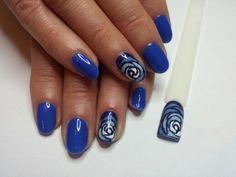 Niebieskie różyczki- cosmetics zone (185, 079)