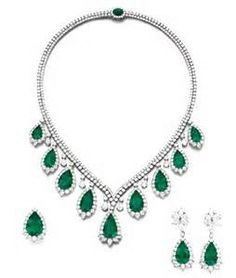 Pear-shaped Emerald Necklace Parure
