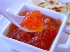 Geleia de Pimenta - Veja mais em: http://www.cybercook.com.br/receita-de-geleia-de-pimenta.html?codigo=117691