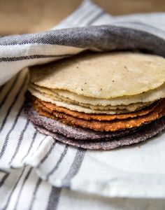 Homemade Corn Tortillas – WILD GREENS & SARDINES--how to make the traditionally prepared corn tortillas with lime and cornmeal Mexican Food Recipes, Whole Food Recipes, Healthy Recipes, Ethnic Recipes, Healthy Food, Homemade Corn Tortillas, Almond Cakes, Flour Tortillas, Sans Gluten