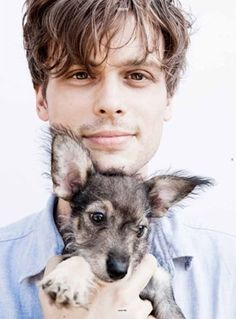 Matthew Gray Gubler and the cutest puppy I have seen in a while. This is making me weak at the knees.