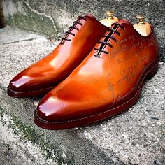 Alligator shoes and men's alligator boots, loafers, sneakers for sale, all our genuine alligator skin shoes are handcrafted by professional craftsmen. Sock Shoes, Men's Shoes, Shoe Boots, Formal Shoes, Casual Shoes, Alligator Boots, Leather Dress Shoes, Sneakers For Sale, Stylish Men